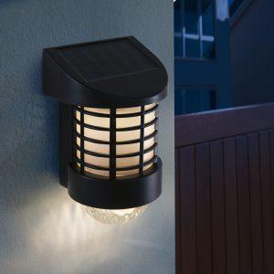 Napelemes vízálló fali kerti lámpa
