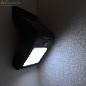 Mozgásérzékelős napelemes kültéri lámpa